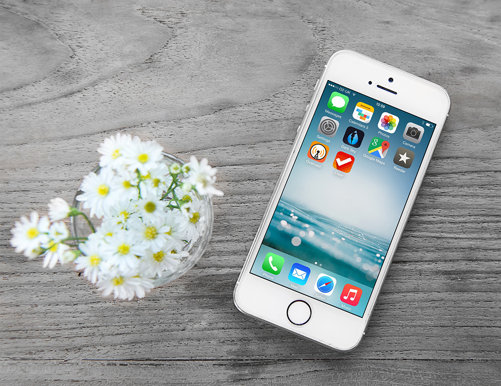 Free Wooden Background iPhone Mock-up-Preview
