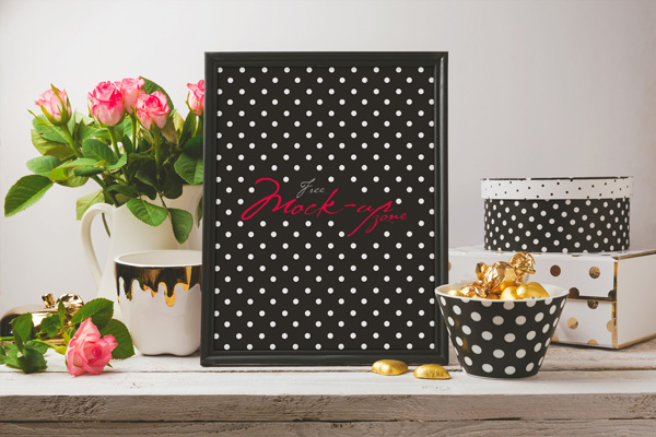 Free-Beautiful-Glamour-Photo-Frame-Mock-up-Psd