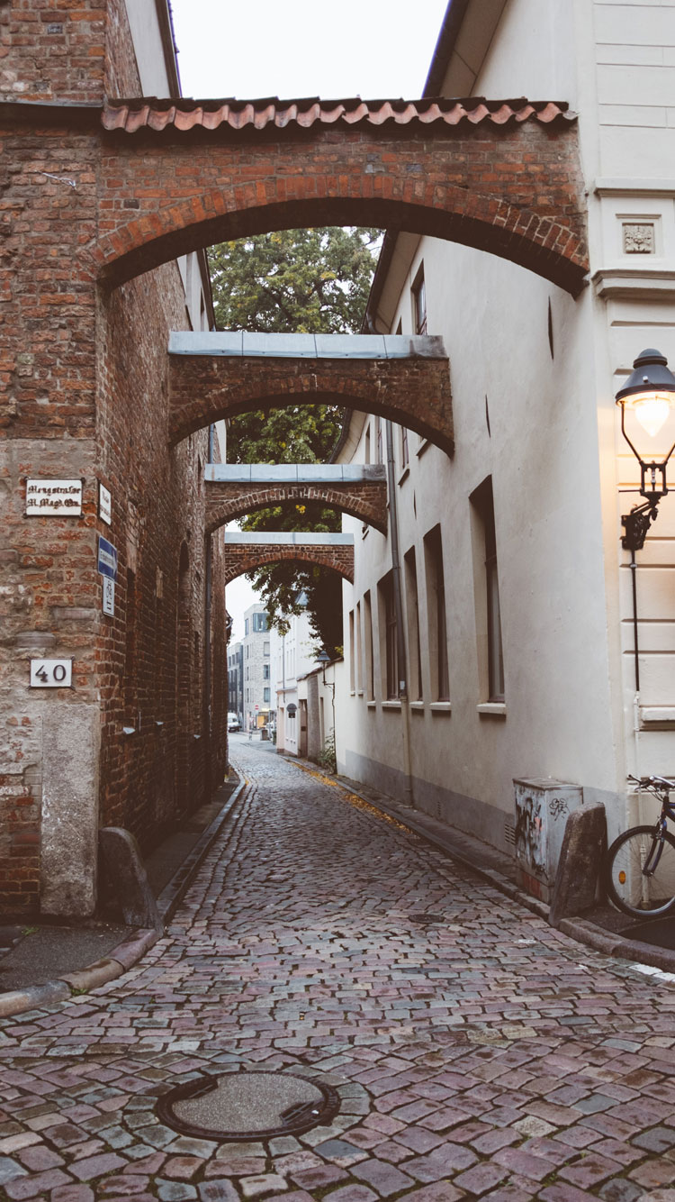 OLD-STREET-IN-LUBECK-iPhone-Wallpaper