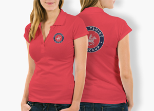 Free Woman With Polo T-Shirt Mockup PSD