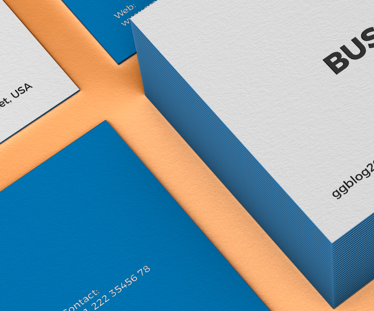 Free-PSD-Branding-Business-Card-Mockup-600